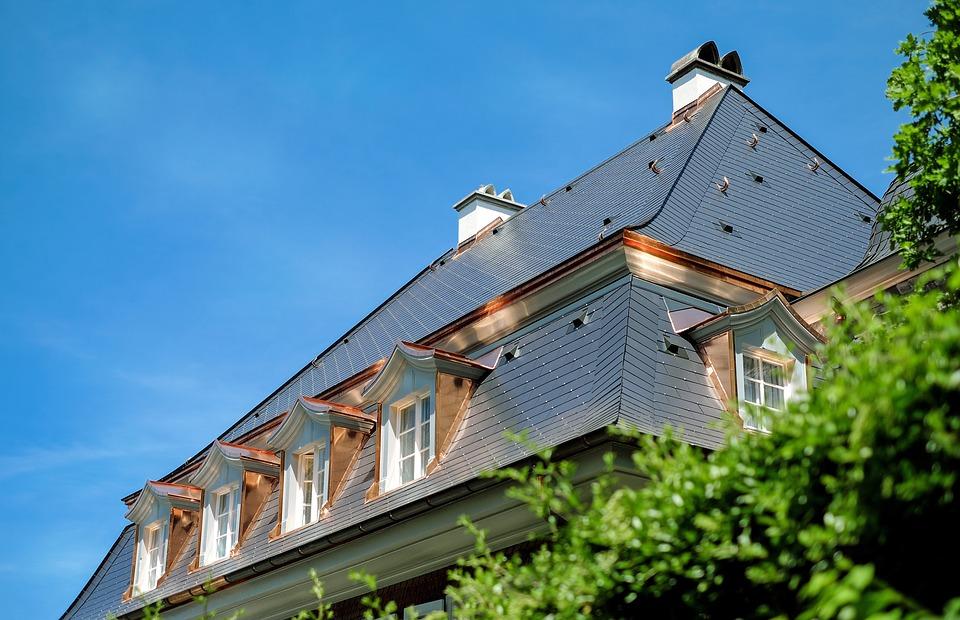 clean asphalt shingle roof
